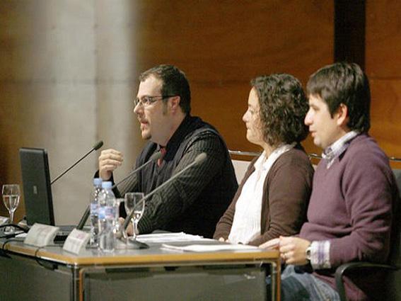 Fotografía del divulgador Josep Colonques en la conferencia sobre alimentación y deporte en el club Diario de Ibiza